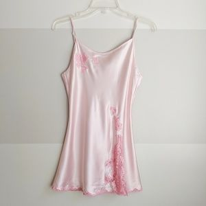 Victorias secret pink nighty w/ lace details, S